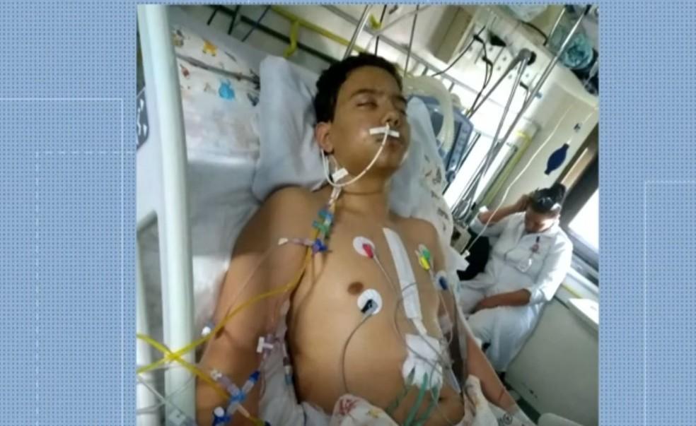 O adolescente Matheus Guimarães, de 15 anos, passou por dois transplantes de coração no Rio de Janeiro — Foto: Reprodução/ TV Globo