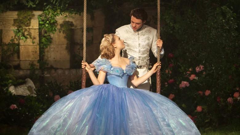 Lily James e Richard Madden vivem Cinderela e o príncipe no filme da Disney (Foto: Divulgação)