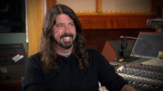 Dave Grohl, do Foo Fighters, mostra estúdio que projetou em Los Angeles