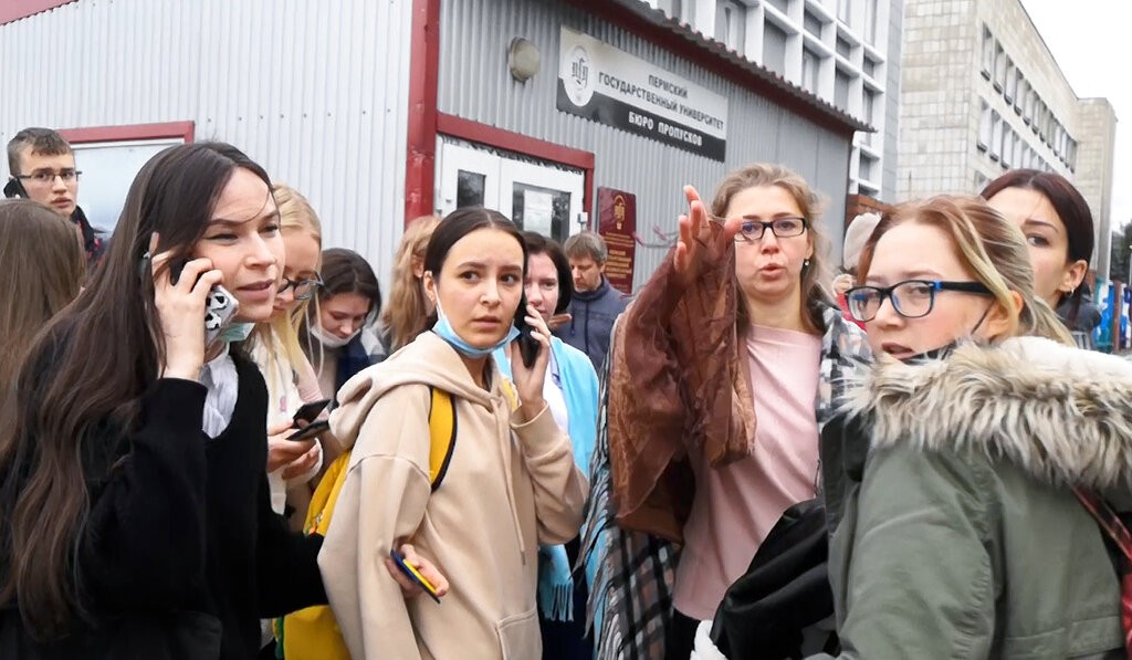O que se sabe e o que falta saber sobre o assassinato de 6 pessoas em uma universidade na Rússia