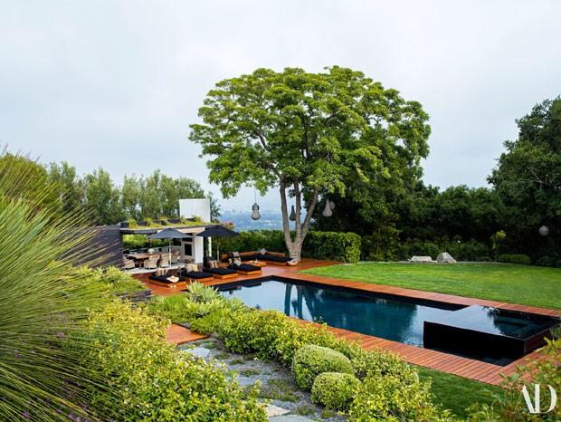 Jennifer Aniston mostra a casa onde mora com Justin Theroux (Foto:  ARCHITECTURAL DIGEST / DIVULGAÇÃO)
