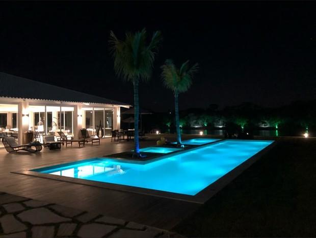 Gusttavo Lima ostenta mansão e jatinho no Instagram (Foto: Instagram/Reprodução)