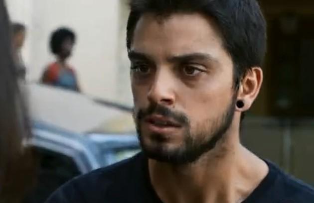 Na terça (14), Bruno (Rodrigo Simas) voltará da Europa e dirá para Laila que ainda a ama (Foto: Reprodução)