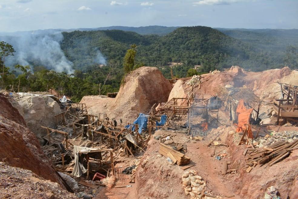 Estrutura de garimpo possibilitava vários delitos, segundo delegado — Foto: Secom - MT