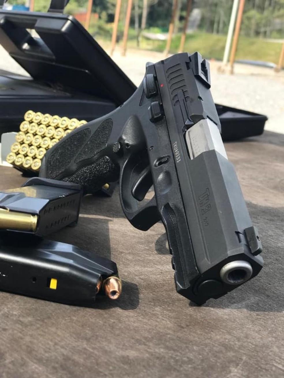 Arma da marca Taurus — Foto: Reprodução/Facebook da empresa