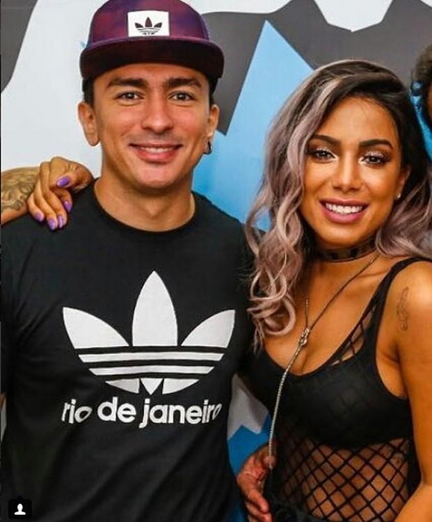 Anitta e o irmão, Renan (Foto: Reprodução/Instagram)