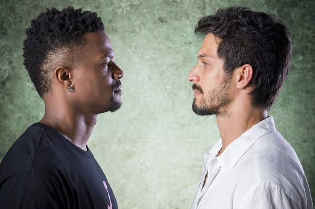 Ramon (David Júnior) e Marcos (Romulo Estrela) (Foto: TV Globo)