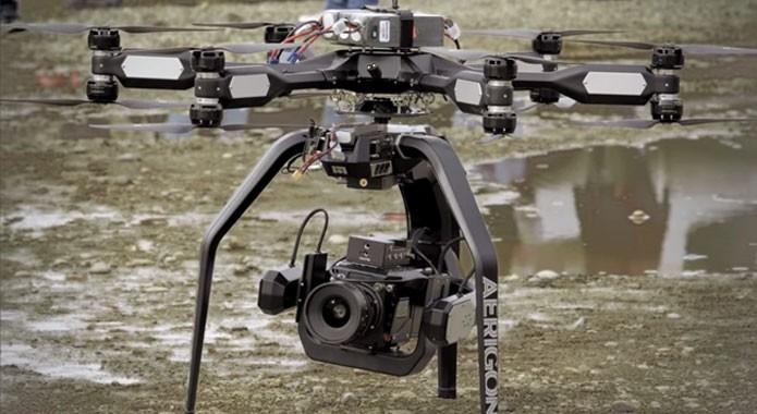 Custando US$ 25 mil, o modelo da foto é um exemplo de drone que grava em 4K e é usado em produções cinematográficas (Foto: Divulgação/Phantom)