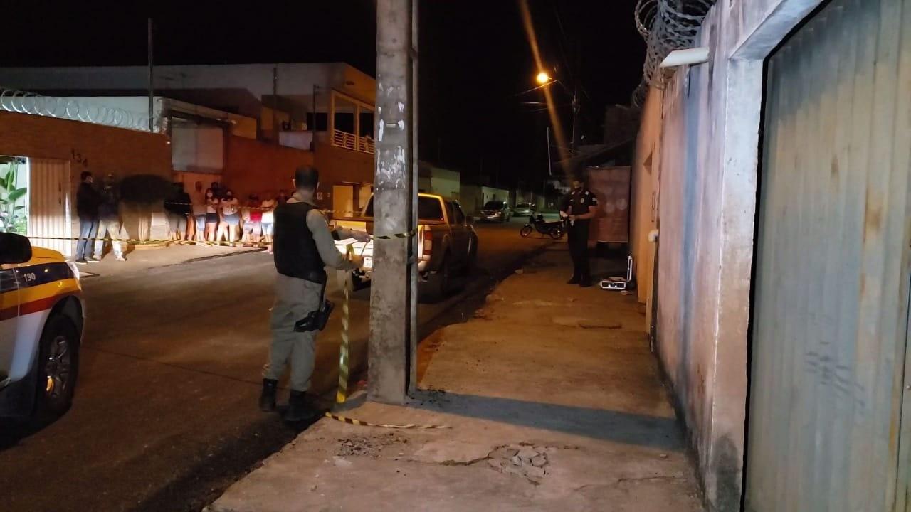 Polícia procura homem suspeito de matar namorado da ex, em Montes Claros