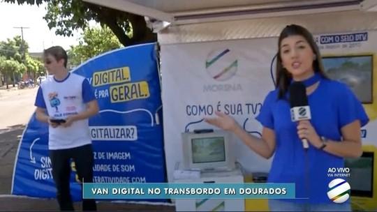 Van Digital esclarece dúvidas sobre a TV Digital em terminal de Dourados