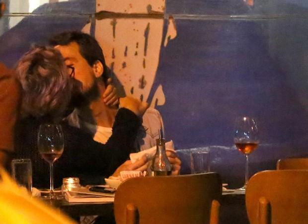 Igor Angelkorte e a namorada, Sofia Maria (Foto: AgNews)