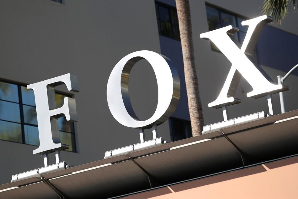 Resultado de imagem para walt disney compra a fox logomarca