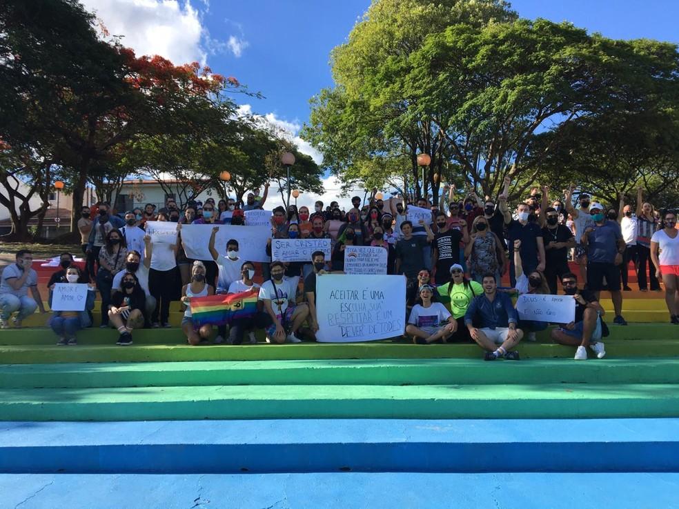Grupo protestou contra o preconceito em Boituva (SP) — Foto: Prefeitura de Boituva/Divulgação