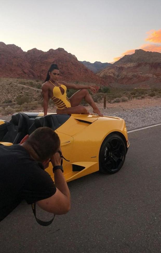Gracyanne exibe corpão em sessão de fotos  (Foto: reprodução instagram)