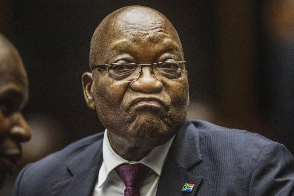 Jacob Zuma, ex-presidente da África do Sul, comparece ao Supremo Tribunal em Pietermaritzburg em 15 de outubro de 2019 — Foto: Michele Spatari/Pool via AP