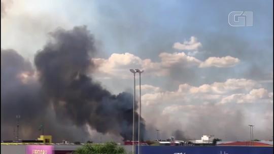 Incêndio se alastra no DF e avança em direção ao Parque Nacional