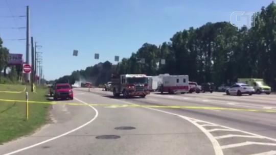 Avião cargueiro militar cai nos EUA e deixa cinco mortos