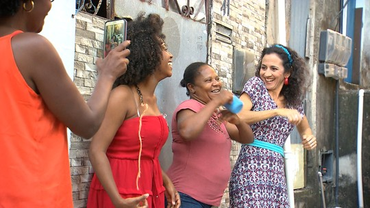 Projeto cultural muda a vida de moradores de Baixa Fria