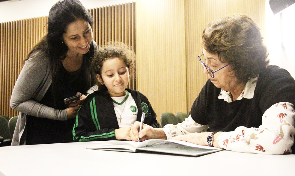 Profa. Marisa Lajolo esteve no Colégio Uirapuru para conversar com pais, alunos e professores — Foto: Colégio Uirapuru/Divulgação