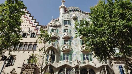 Arquitetura de Antoni Gaudí mostra paixão catalã pelo ferro forjado