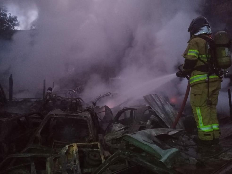 Causas do incêndio não foram divulgadas — Foto: Divulgação/Corpo de Bombeiros