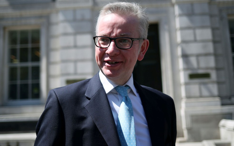 Ministro britânico do Meio Ambiente, Michael Gove, em foto de 14 de maio — Foto: Reuters/Hannah Mckay