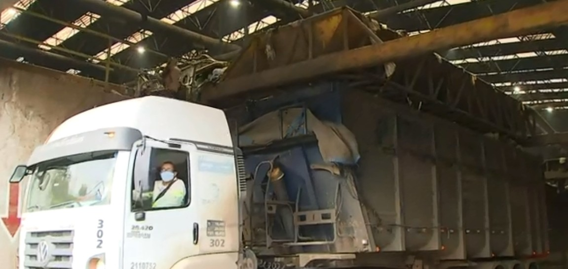 Produção de lixo doméstico aumentou em 7% na pandemia, em Salvador; capital recolhe 3 mil toneladas diariamente