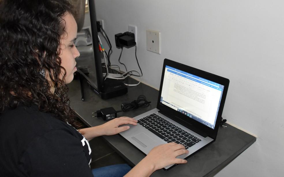 Mayra Ribeiro de Oliveira trabalha pela inclusão de mulheres deficientes na educação e no mercado de trabalho Ribeirão Preto, SP — Foto: Juliano Gonçalves/G1