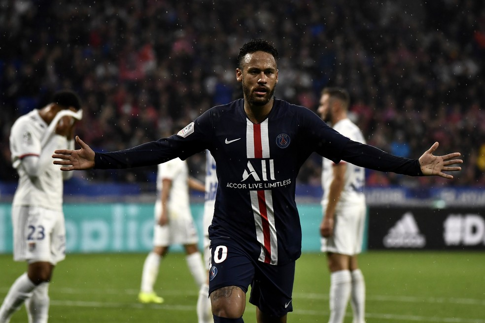 Neymar gol PSG Lyon — Foto: AFP
