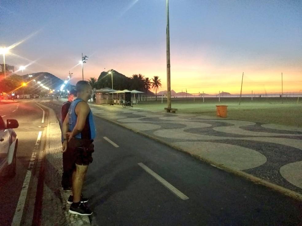 Guarda Municipal fiscaliza Praia de Copacabana, Rio — Foto: Divulgação