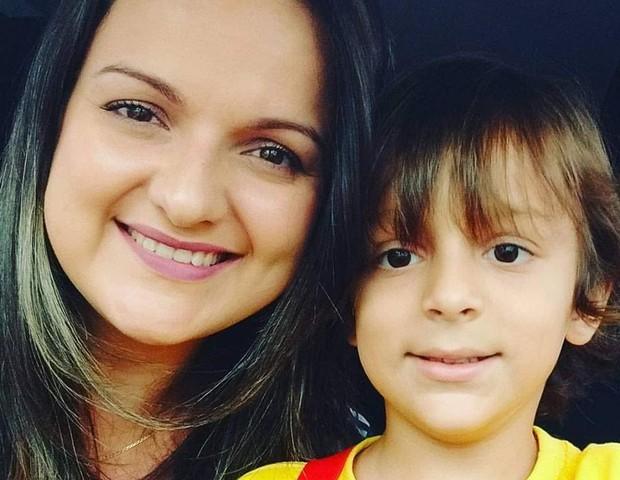 Bruna achou que teria Maria Clara e nasceu Enzo, hoje com 7 anos (Foto: Arquivo pessoal)