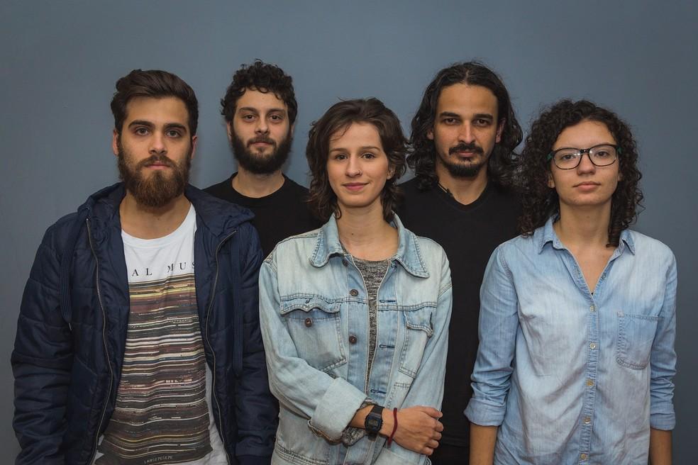 Banda Plutão Já Foi Planeta lança segundo disco da carreira em Natal  (Foto: Luz Vermelha )