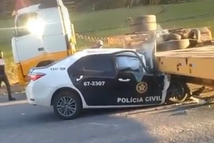 Acidente entre viatura e carreta deixa policial civil morto em Bom Jardim, no RJ