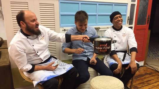 Empanelados, MC Koringa e Paulinho Serra comentam a reta final do 'Super Chef'