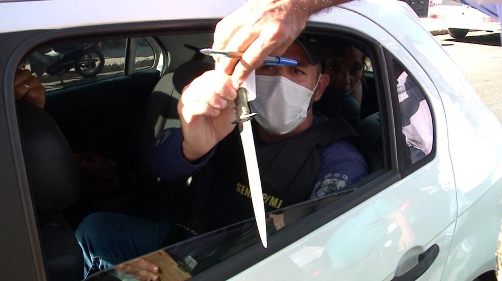 Faca utilizada pela suspeita para matar moradora de rua em Teresina — Foto: Reprodução/TV Clube