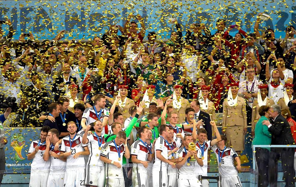 Lahm era o capitão da Alemanha no Brasil (Foto: AFP)
