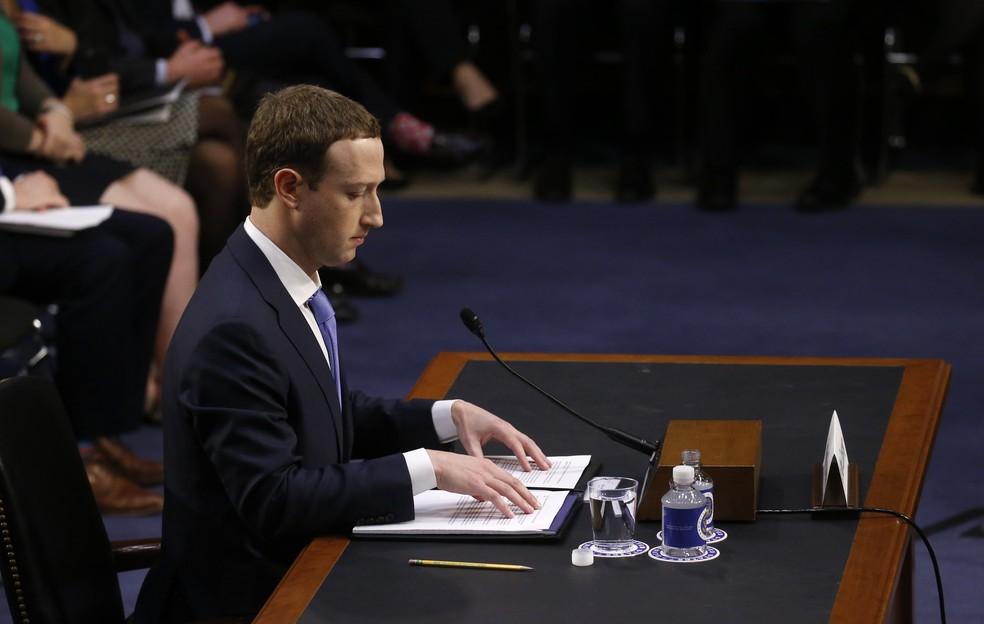 Mark Zuckerberg depõe no Senado (Foto: REUTERS/Leah Millis)