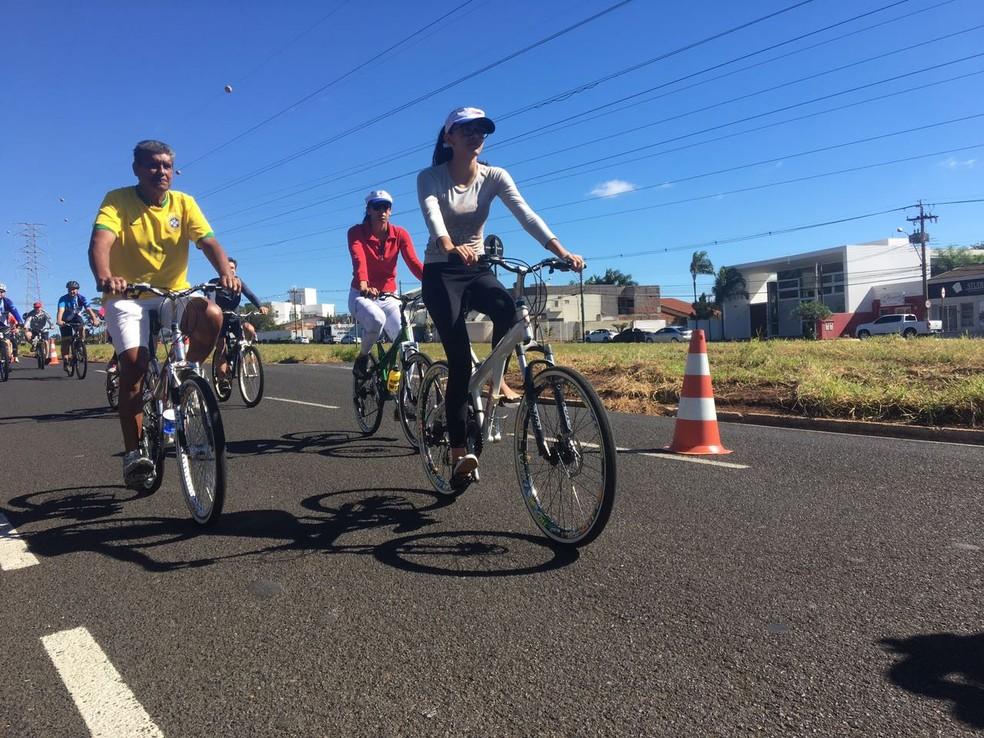 Ciclistas de Rio Preto (SP) participaram do Passeio Ciclístico (Foto: Renato Pavarino/G1)