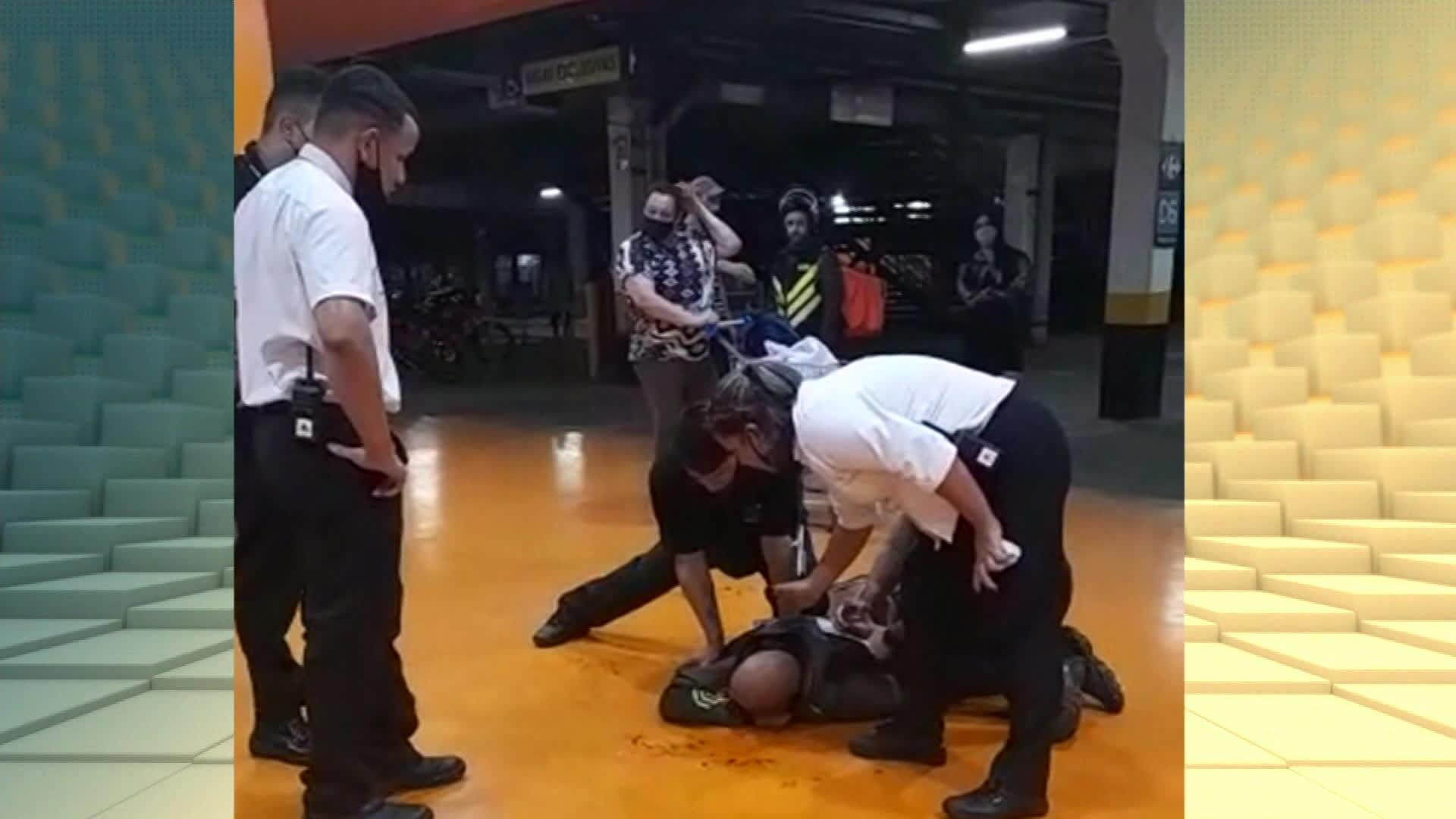 Funcionária do Carrefour alegou saúde debilitada para não impedir agressões no caso da morte de João Alberto no RS