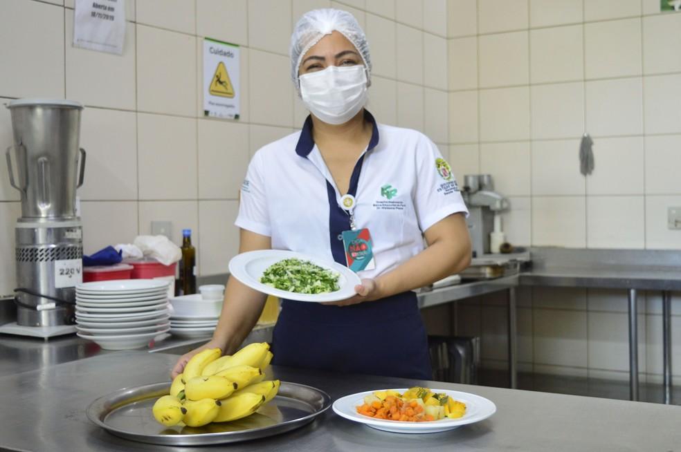 Patrícia Chiba, nutricionista de produção do HRBA — Foto: Ascom HRBA/Divulgação
