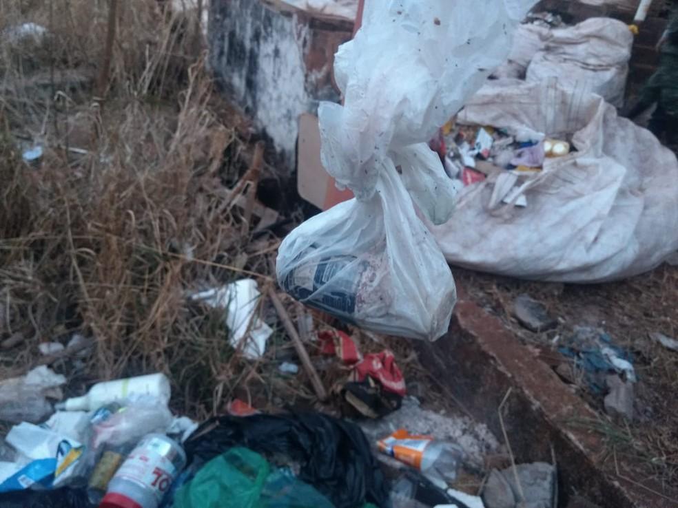 -  Embalagem do agrotóxico foi recolhida  Foto: Polícia Militar de Meio Ambiente/Divulgação
