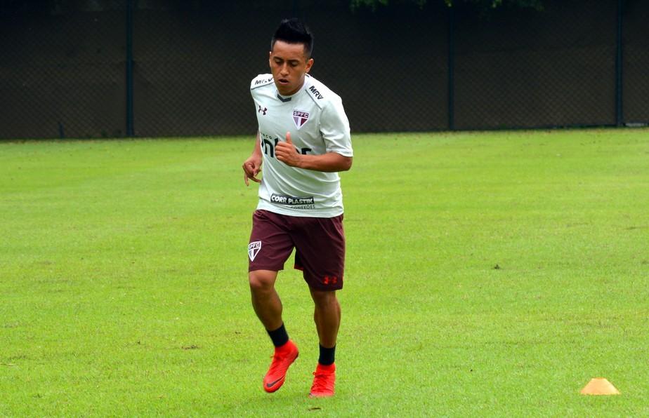 São Paulo anuncia as contratações de Tréllez e Nenê