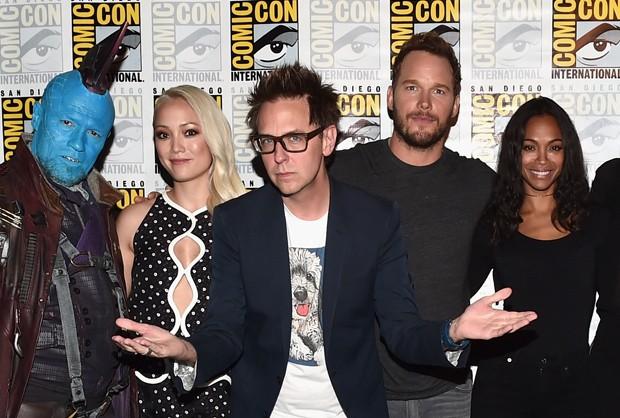 James Gunn com elenco de Guardiões da Galáxia (Foto: Getty Images)