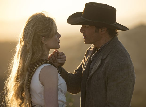 Evan Rachel Wood (Dolores Baernathy) e James Marsden (Terry Flood) em Westworld (Foto: Divulgação/HBO)