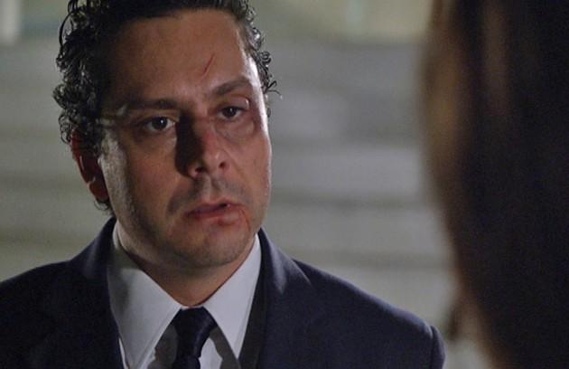 Baltazar (Alexandre nero) era motorista de Tereza e vizinho de Griselda. Machista, batia na mulher, Celeste, e vivia em guerra com a filha, Solange (Foto: TV Globo)