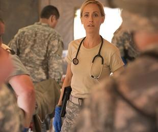 Kim Raver em cena de 'Grey's Anatomy' | Reprodução