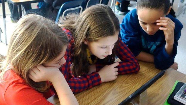 Transformar lições em jogos pode ajudar a melhorar o desempenho dos alunos (Foto: Getty Images)