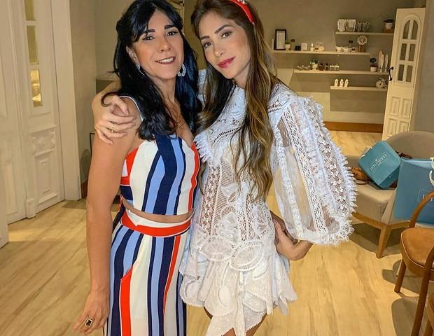 Romana Novais com a mãe (Foto: Reprodução/Instagram)