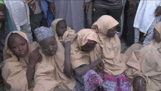 Boko Haram liberta parte das meninas sequestradas na Nigéria