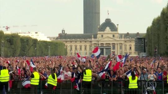 Paris celebra o bicampeonato mundial da seleção francesa